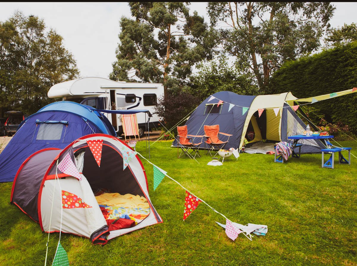 Free camping checklist & 51 fun things to do when camping