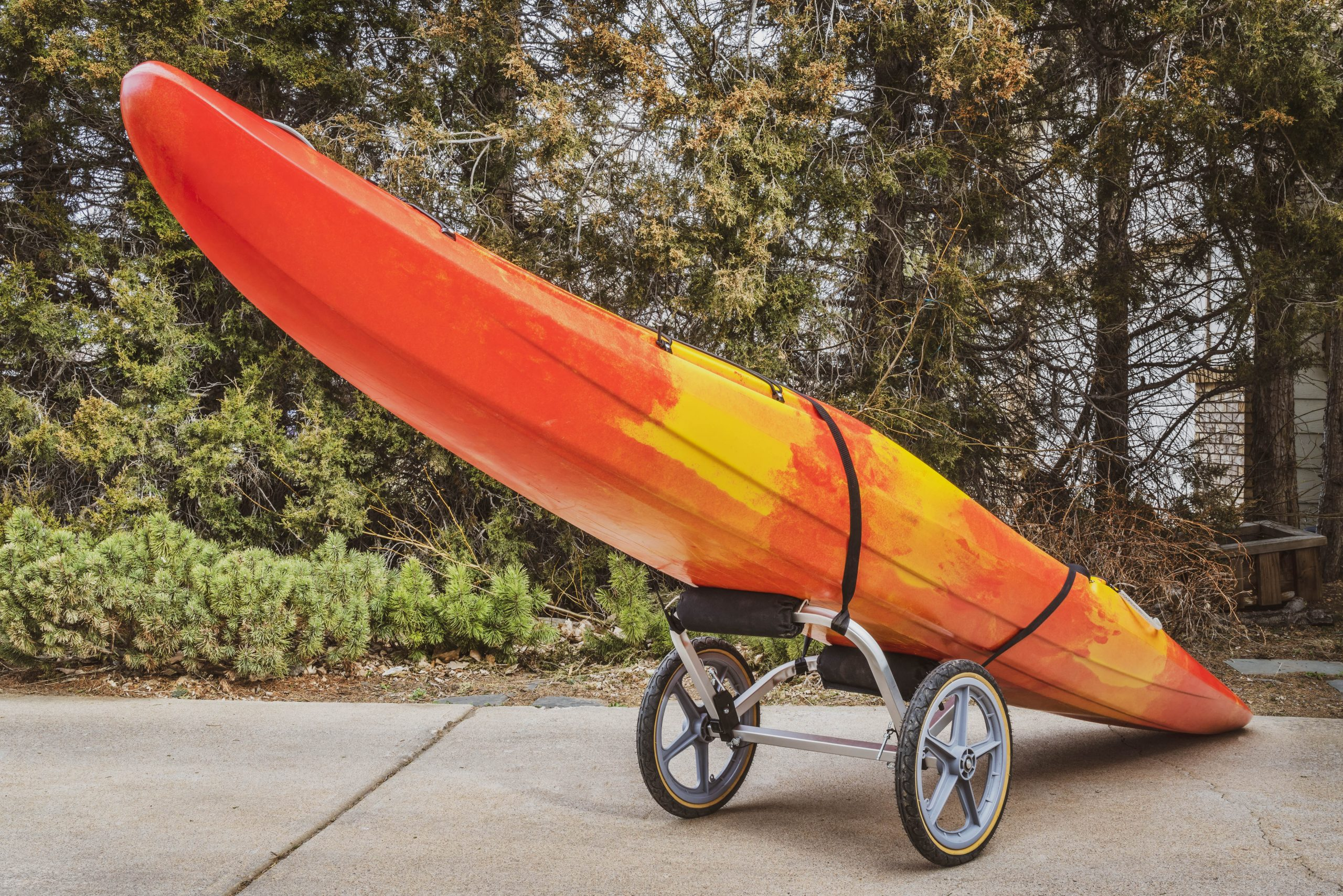 Best kayak cart for different terrains: 5 reviews and buying guide