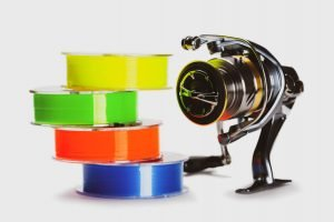 Multi-colored fishing line and fishing reel